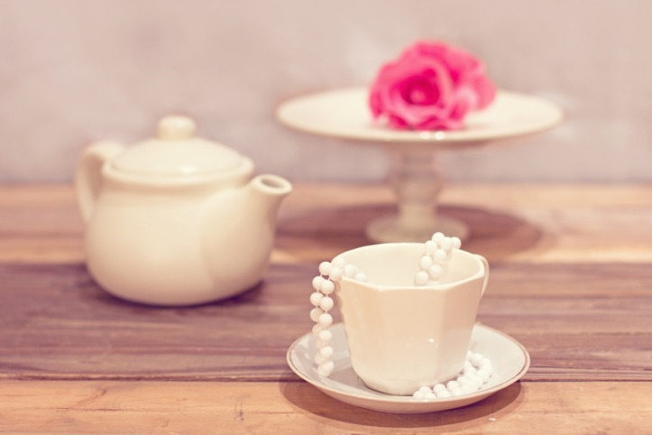 Tea party by karolyn83 on Pixabay at https://pixabay.com/en/tea-party-tea-cup-vintage-1138912/