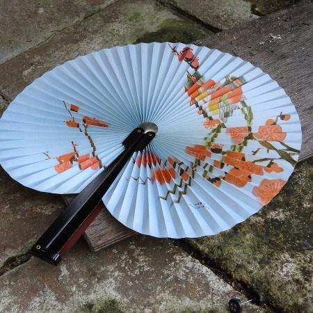 Asian-inspired fan by MAKY_OREL on Pixabay at https://pixabay.com/en/fan-detail-doplňky-china-876378/