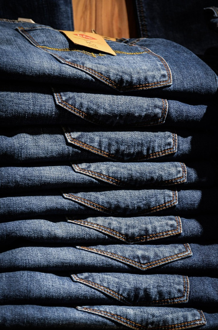 Stack of jeans by jarmoluk on Pixabay at https://pixabay.com/en/jeans-pants-blue-shop-shopping-428614/