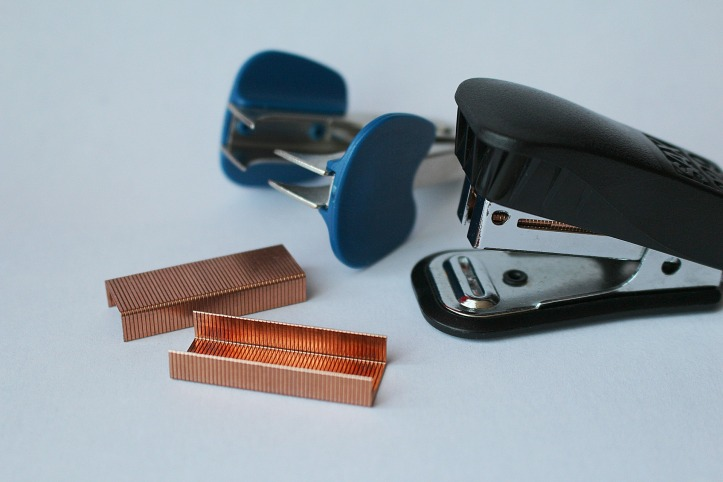 Image of a stapler, staples, and staple remover by PIX1861 on Pixabay at https://pixabay.com/en/stapler-staples-staple-remover-637556/
