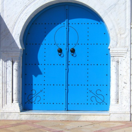 Blue double door by Eukalyptus on Pixabay at https://pixabay.com/en/door-blue-beautiful-196114/