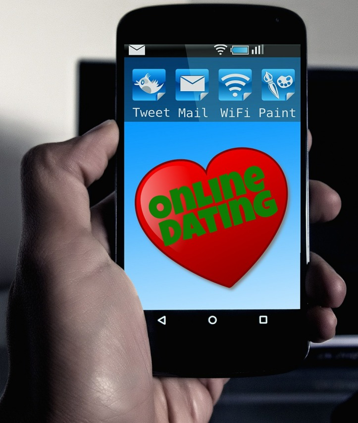 Online dating image on a phone by geralt on Pixabay at https://pixabay.com/en/online-dating-smartphone-570216/