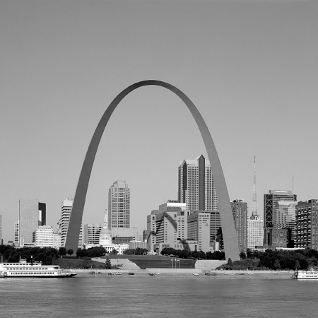 St Louis skyline on the Mississippi River by skeeze on Pixabay at https://pixabay.com/en/saint-louis-skyline-gateway-arch-725972/
